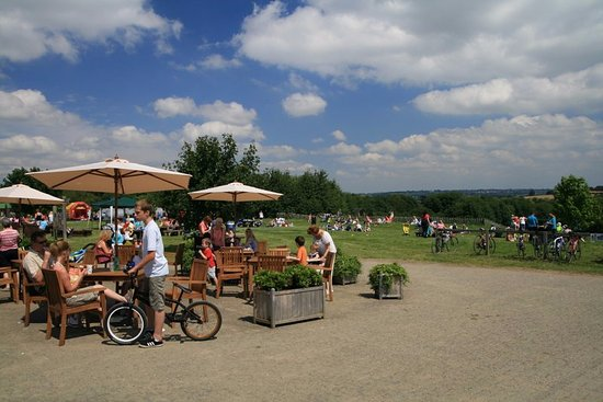 Swadlincote, UK: Cafe on picnic area