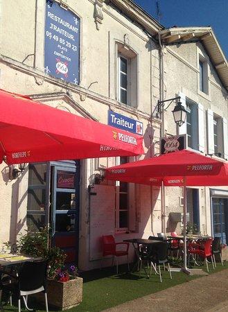 Bonneuil-Matours, France: Restaurant des Lys