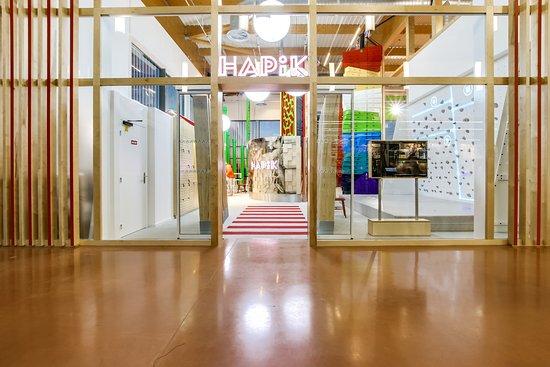 Mondeville, Frankrig: Luminosité, couleur, Hapik crée une ambiance conviviale pour un moment détente garanti