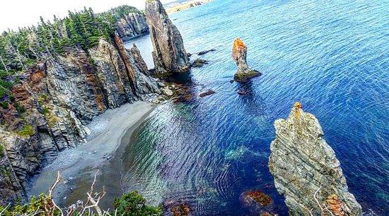 Port Rexton, كندا: Shirwink Trail sea stacks