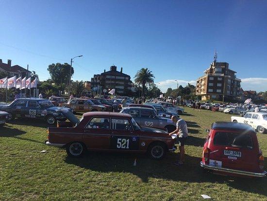 Uruguay: Concentracion de vehículos clásicos , Montevideo