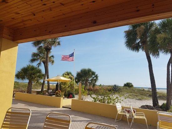 Suncoast Motel: Paradise!
