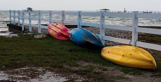Laguna Reef Condominiums: Kayaks near pier