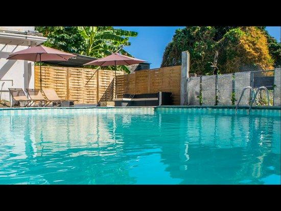Riverview hotel reviews price comparison quatre for Pool show rosehill