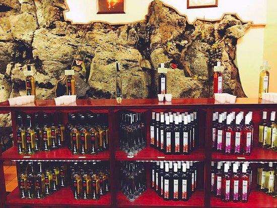 Zafferana Etnea, Włochy: Wine tasting