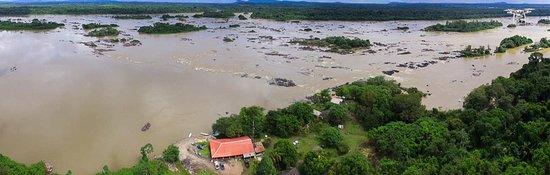 Uma visão aérea das corredeiras do bem querer, município de Caracaraí, Roraima, um local excelen