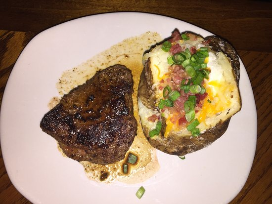 Outback Steakhouse: Small Sirloin and Loaded Baked Potato