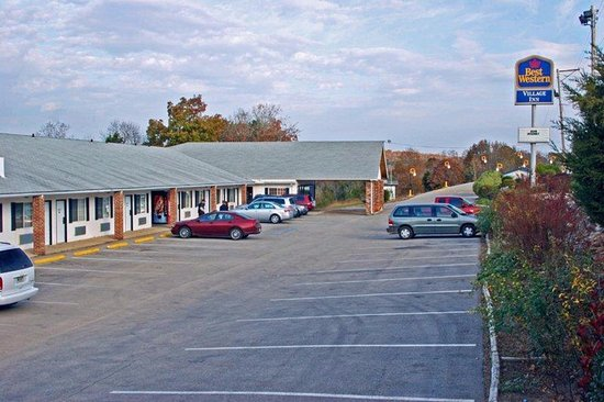 Photo of BEST WESTERN Village Inn Hardy