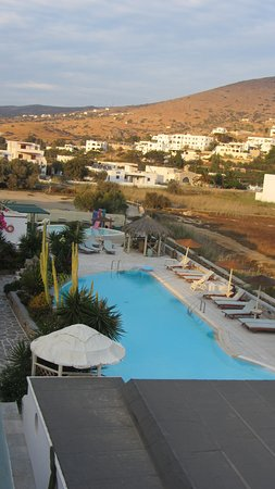 Yialos, Grecia: view from room to the pool