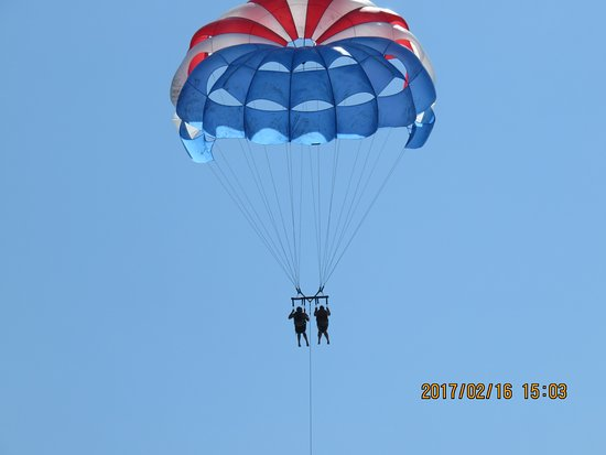 Aguas Azules Parasailing & Watersports Tours: Whoo hoo....I did it...so amazing!!