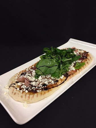 Clubhouse Bistro: Prosciutto and Arugula Flabread w/ fig jam, goat cheese, and balsamic
