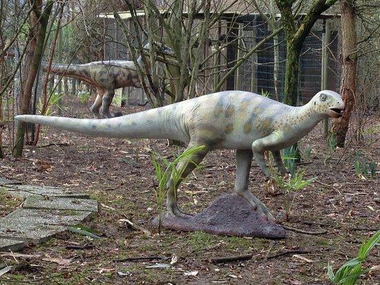 Viry, France: Dinosaure Hypsilophodont