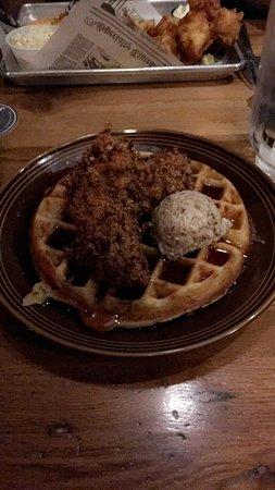 Lancaster, OH: Chicken and waffles