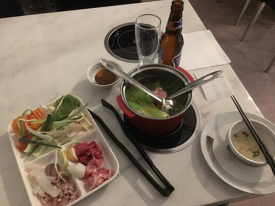 "Varnamo, Suecia: Fantastic ""make-your-own-soup"" HotPot!"
