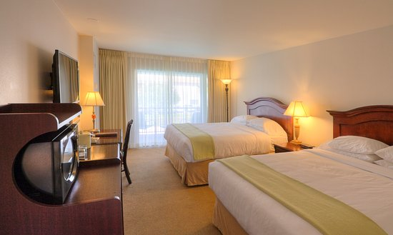 Inn at the Commons: PREMIUM TWO QUEEN BEDS