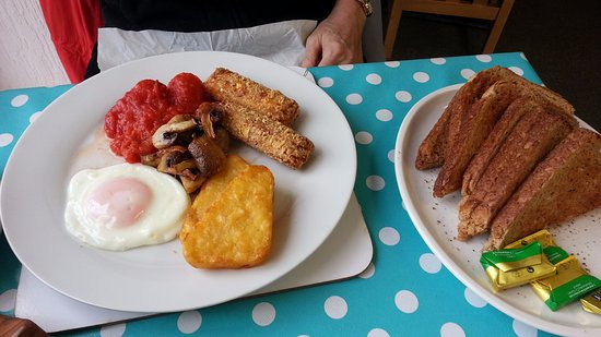Bromyard, UK: Vegetarian breakfast. £6.50 inc drink (not shown) - March 2017.
