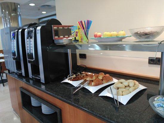 Hotel Civera: Parte del buffet
