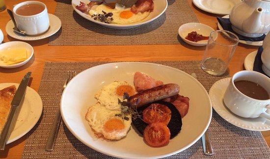 Swinton, UK: Breakfast