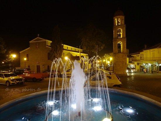Litochoro, Griekenland: 4 φανταστικές νυχτερινές φωτογραφίες Ιερού Ναόυ Λιτόχωρου 05/03/2017