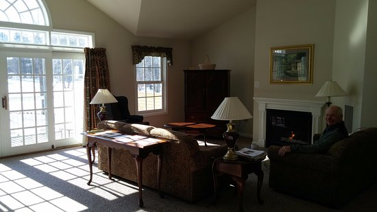 Bethel, ME: Living room in one-bedroom townhouse