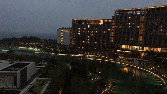 Beautiful hotel, but terrible staff