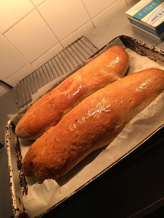 Yetholm, UK: Homemade bread Quizzers buffet  Deep fried beer battered calzone