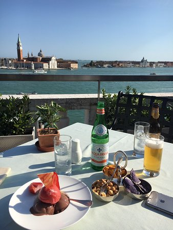 Restaurant Terrazza Danieli Nice View To Go With The Snacks And Drinks