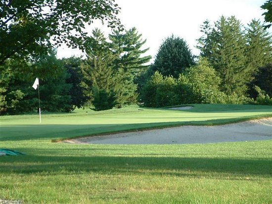 Warrington, PA: Fairways Among the Houses