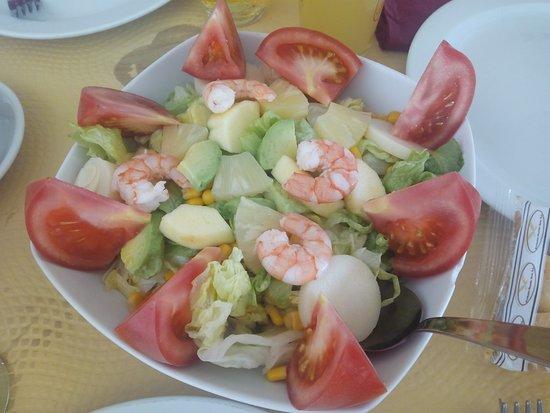 Restaurante Rompeolas : Ensalada de la casa