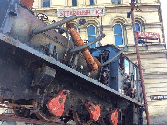 Steampunk HQ: photo0.jpg