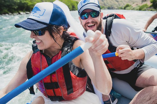 Maupin, OR: Rafting makes people happy!