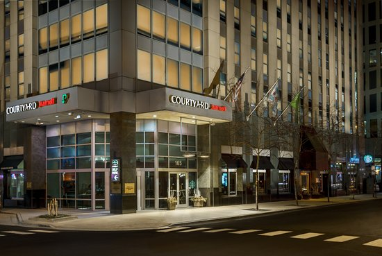 COURTYARD BY MARRIOTT CHICAGO DOWNTOWN/MAGNIFICENT MILE $159 ... on