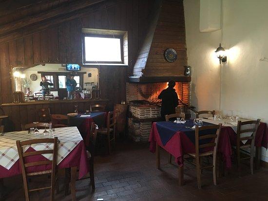 Castelnuovo di Farfa, Italy: ресторан