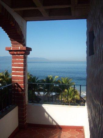 Gaviota Vallarta: View from hallway outside rooms