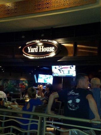 Yard House: 17-03-06-14-16-44-341_photo_large.jpg