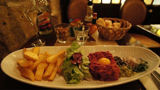 L'Auberge Cafe: photo1.jpg