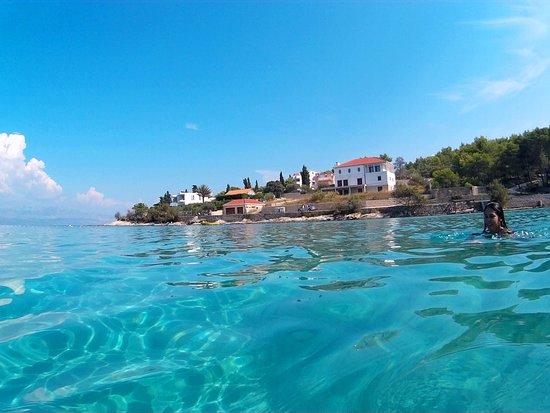 Slatine, Croacia:  Šolta beach