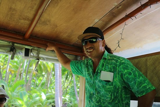 The Vaka Cruise: awesome tour guide