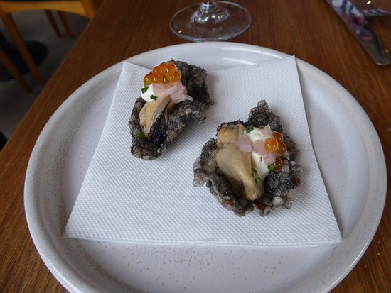 St Isidore: Smoked mussels