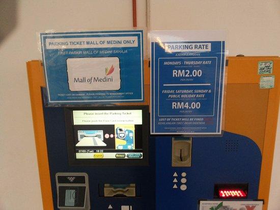 Mall of Medini: parking