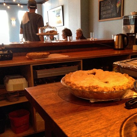 Vashon, WA: Homestyle dessert, made with local apples