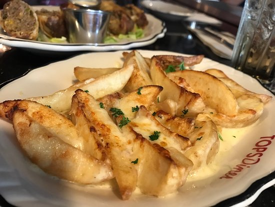East Newark, NJ: Fontina Crispy Potatoes