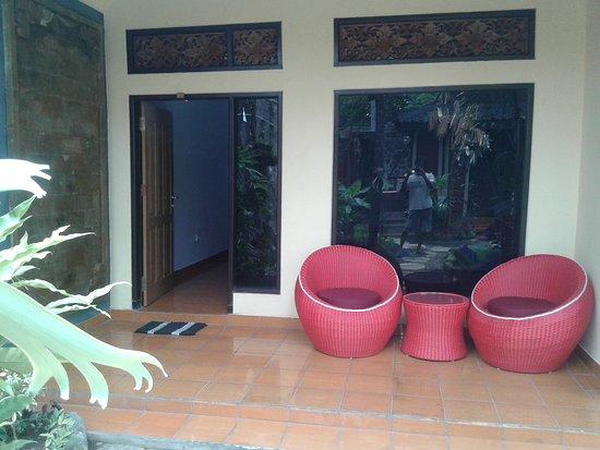 Gilimanuk, Indonésie : Front porch room