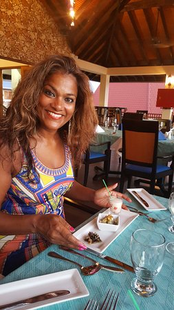 Buccoo, Tobago: inside view and type of cuisine