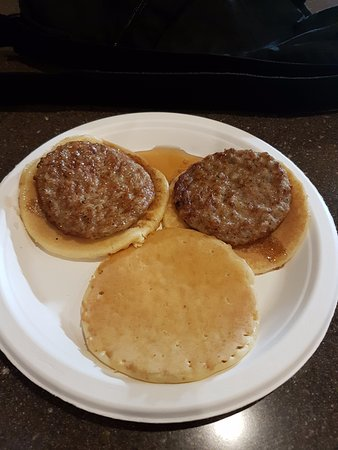 BEST WESTERN PLUS Park Place Inn - Mini Suites: Not so hidden mickey at breakfast