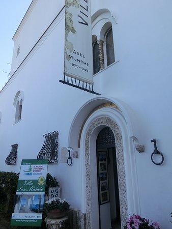 Villa San Michele: entree