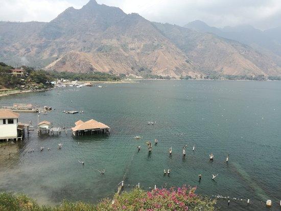 Eco Hotel Uxlabil Atitlan: Vue de la terrasse commune