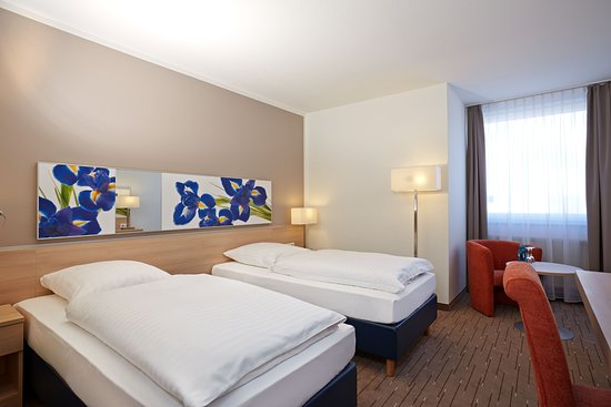 Komfortzimmer im Ramada Hotel Micador Wiesbaden Niedernhausen