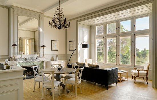 chateau les carrasses updated 2018 prices castle. Black Bedroom Furniture Sets. Home Design Ideas