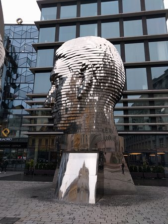 9ecf7ec24c9 Sculpture of Kafka by artist David Cerny - obrázek zařízení Socha ...